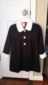 Girls Black Coat w/ White Faux Fur Accents, Size 5T in Fort Campbell, Kentucky