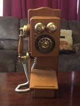 Decorative and functioning  wall phone in Clarksville, Tennessee