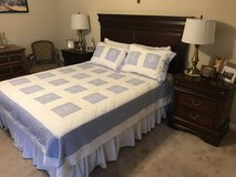 Beautiful Bedroom Set with night tables, lamps and firm mattress in Houston, Texas