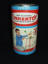 Classic Tinkertoy Junior Construction Set / Wood pieces in Lockport, Illinois