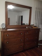 Dresser and mirror in Stuttgart, GE