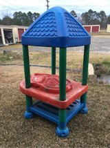 Little Tikes Commercial sand/water table in Leesville, Louisiana