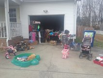 yard sale girls woman's clothes shoes in Fort Campbell, Kentucky