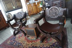 set of 2 throne chairs with leather seat in Stuttgart, GE