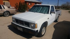 1986 GMC S15 8ft bed in 29 Palms, California