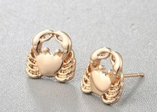 Small Gold Silver Crab Stud Earrings For Women Jewelry Wholesale Valentine's day gifts Animal Ba... in Moody AFB, Georgia