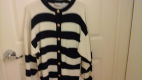 Womens  Knit Sweater  Navy and White Size Large in Aurora, Illinois