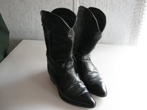 Women's Black Leather Western Boots Size 8M in Fort Knox, Kentucky