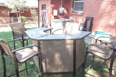 Patio Bar Set in Fort Campbell, Kentucky