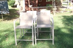 Set of 4 high bar Chairs in Fort Campbell, Kentucky