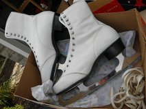 Women's Ice Skates in Plainfield, Illinois