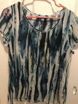 Ladies Vera Wang Short Sleeve Blouse in Fort Belvoir, Virginia