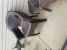 4 resin chairs and matching table in Joliet, Illinois