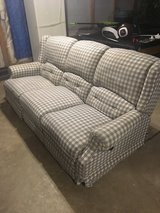 3 piece couch set in Bolingbrook, Illinois