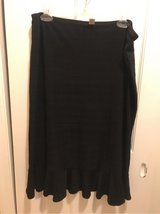 Ladies XL Passports Black Skirt in Fort Belvoir, Virginia