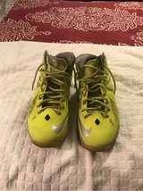 Men's Nike Size 10.5 Shoes in Fort Belvoir, Virginia