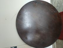 Coffee brown Round table in Leesville, Louisiana