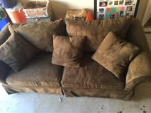 8ft Couch in Warner Robins, Georgia