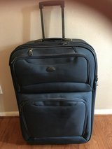 CLEARANCE ***HUGE Rolling Samsonite Suitcase*** in Cleveland, Texas
