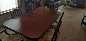 mahogany dining table in Chicago, Illinois