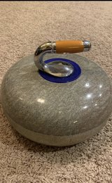Vintage AUTHENTIC Blue/Green Granite Curling Stone. Wood Handle. SEE PHOTO & DESCRIPTION in Naperville, Illinois