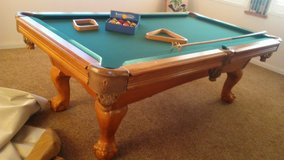 American Heritage Pool Table with extras Great condition!! in 29 Palms, California