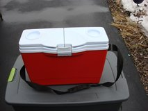 RUBBERMAID INSULATED COOLER in Bartlett, Illinois