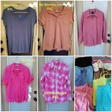 Womens/juniors XXL tops in Fort Campbell, Kentucky