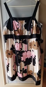 Women's dress. Size 20W. Kim Rogers in Fort Campbell, Kentucky