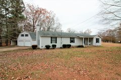 2354 Sqft on 1.59 Acres in Clarksville, Tennessee