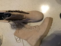 Cold weather boot size 10 NEW in Clarksville, Tennessee