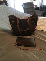 Louis Vuitton neverfull w/ make up bag in Kingwood, Texas