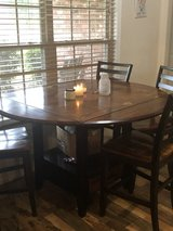 Table and chairs in Leesville, Louisiana