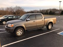 05 Toyota Tundra 4x4. in Fort Campbell, Kentucky