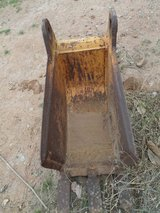 """12"""" Wide 3) Tooth CASE Backhoe Bucket 1 3/4"""" 1 1/2"""" Holes in Alamogordo, New Mexico"""