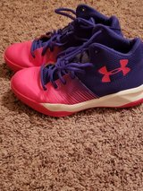 Under Armour Girl shoes in Fort Campbell, Kentucky