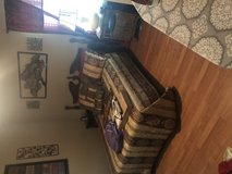 Full size bed with dresser in Hopkinsville, Kentucky