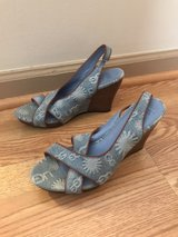 Women's wedges size 8 great used condition in Pleasant View, Tennessee