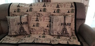 Paris  set, 2 pillows  and throw in Conroe, Texas