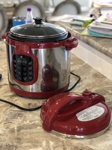 Cooks Essentials 6 qt Electric Pressure Cooker in Clarksville, Tennessee