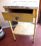 ANTIQUE METAL STAND in Alamogordo, New Mexico