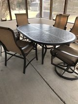 Patio Table and 6 chairs in Bolingbrook, Illinois