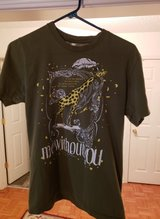 2 Men's Tshirts Sz Small in Fort Campbell, Kentucky