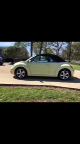 Convertible VW Beetle 2006 only 70K miles super clean - garage kept in Spring, Texas