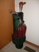 Nice set of Wilson Woman's Golf Clubs. in Joliet, Illinois