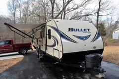 2017 Keystone Bullet 277BHS Bunkhouse Travel Trailer in Fort Campbell, Kentucky