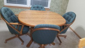 Kitchen Table,4 chairs and expandable insert in Plainfield, Illinois