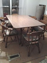 Dropleaf table and chairs in Alamogordo, New Mexico
