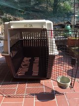 Large Dog Transportation cage 31 Inches deep, 21 inches wide (inside), 28 inches high in Stuttgart, GE