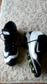 7.5 boys baseball cleats -NIKE in Oswego, Illinois